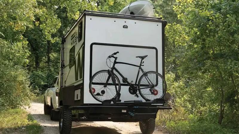 Một chiếc xe kéo du lịch thách thức mọi chuyến cắm trại  - ảnh 6