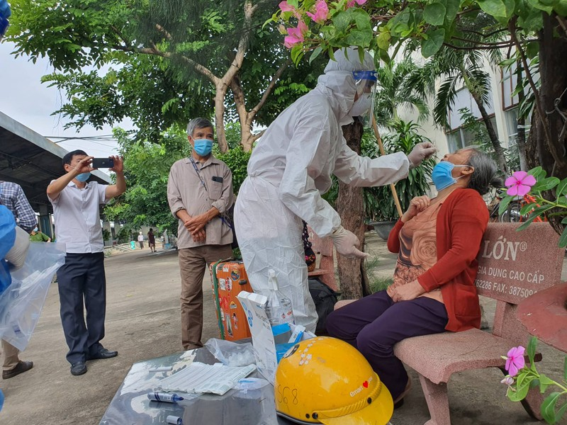 Chuyến tàu chở niềm vui của người dân Quảng Bình về quê - ảnh 8