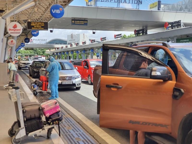 Hàng trăm người dân Quảng Nam được về quê bằng máy bay - ảnh 5