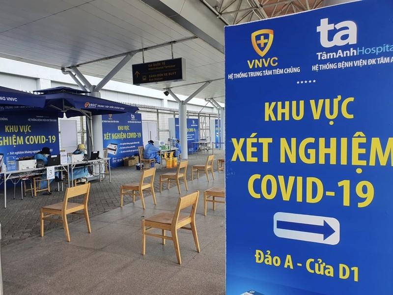 Hàng trăm người dân Quảng Nam được về quê bằng máy bay - ảnh 14