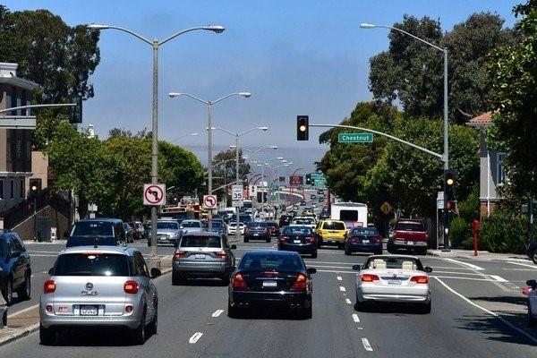 7 mẹo lái xe đường dài an toàn cho người mới bắt đầu - ảnh 4