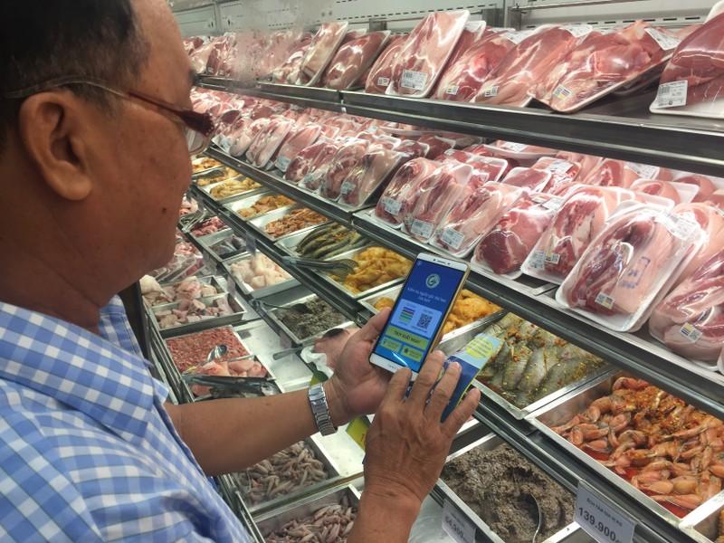 Hàng trăm điểm bán thịt heo có 'chứng minh thư'   - ảnh 1