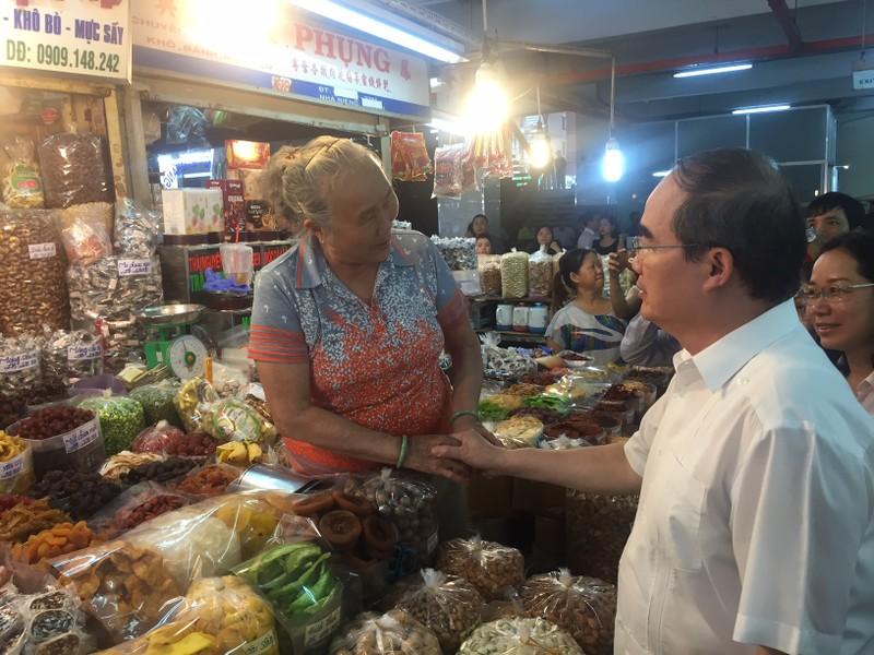 Bí thư Nguyễn Thiện Nhân thị sát chợ An Đông  - ảnh 2