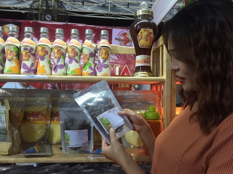 Khai mạc hội chợ triển lãm quận Tân Phú - ảnh 1