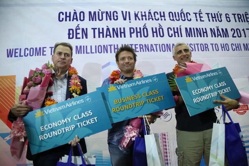 TP.HCM đón vị khách đặc biệt tại sân bay Tân Sơn Nhất  - ảnh 2