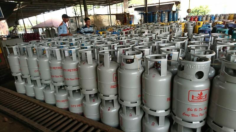 Giá gas tiếp tục đồng loạt giảm mạnh 13.000 đồng/bình - ảnh 1
