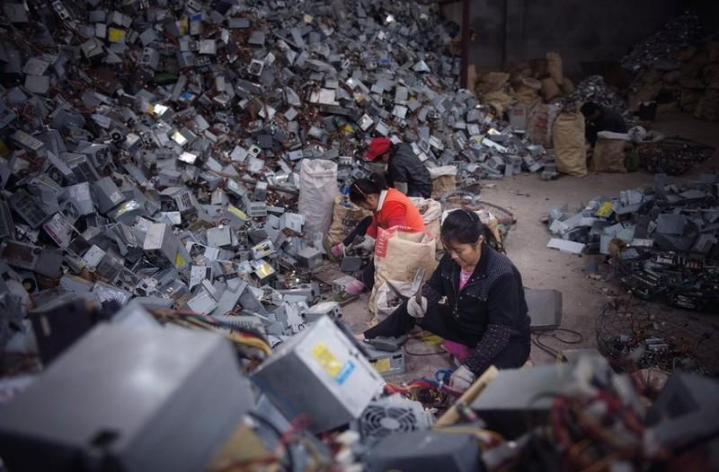 Trung Quốc cấm cửa, núí rác thế giới có đổ vào VN? - ảnh 1