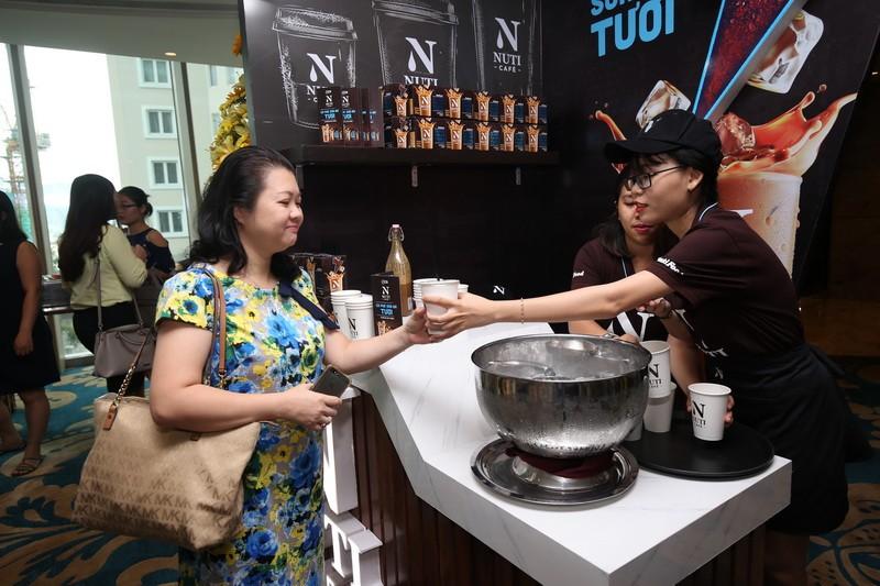 Đồ uống độc đáo 'Cà phê sữa đá Việt' bước ra thế giới - ảnh 2
