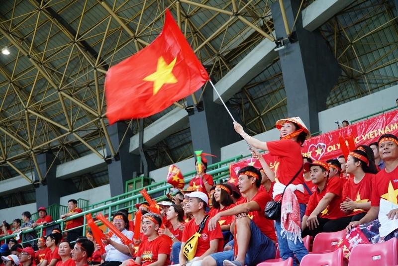 Đổ xô săn tour sang Indonesia xem trận Việt Nam-Hàn Quốc - ảnh 1