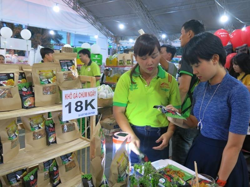 Tuần lễ sản phẩm doanh nghiệp Việt tại ông lớn Co.opmart  - ảnh 2