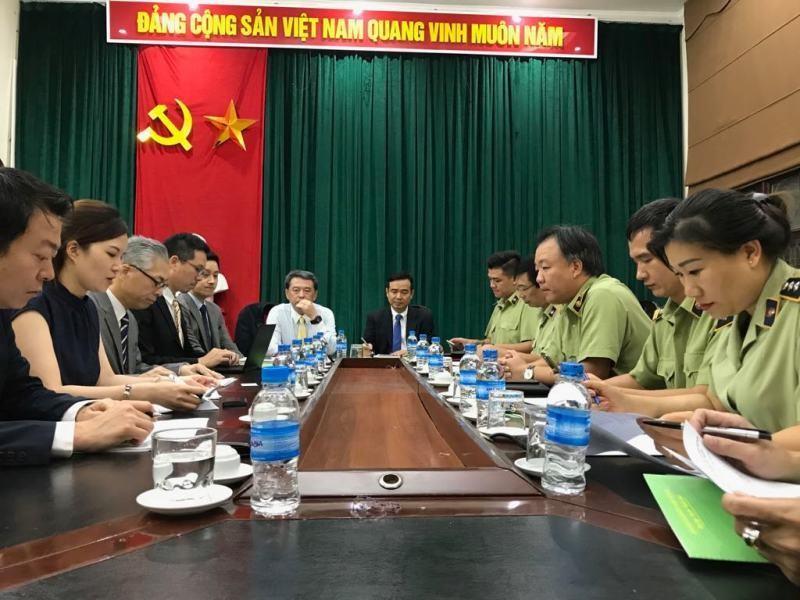 Chưa có mặt ở Việt Nam, Uniqlo đã bị làm giả, làm nhái - ảnh 1