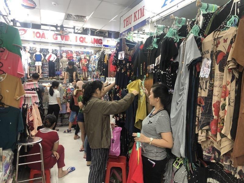 Chợ An Đông ký hợp đồng mới với tiểu thương - ảnh 1