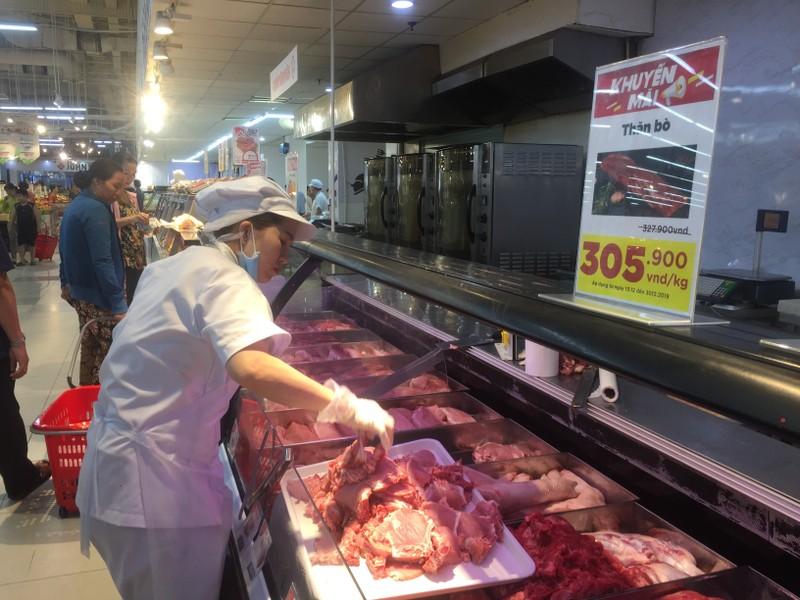 Mua thịt heo đông lạnh rẻ hơn thịt heo nóng 30%  - ảnh 2