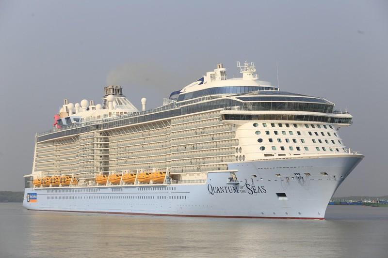 Du thuyền hiện đại nhất thế giới đến TP.HCM - ảnh 2