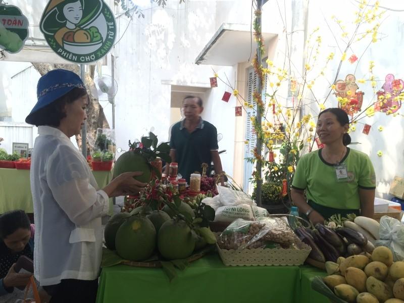 Hàng trăm món ăn độc đáo hội tụ tại phiên chợ Quà Việt 2020 - ảnh 3