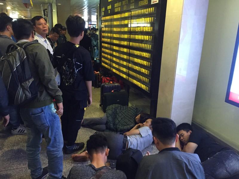 Hành khách bay từ Sài Gòn 28 tết, 29 đến Hà Nội - ảnh 1