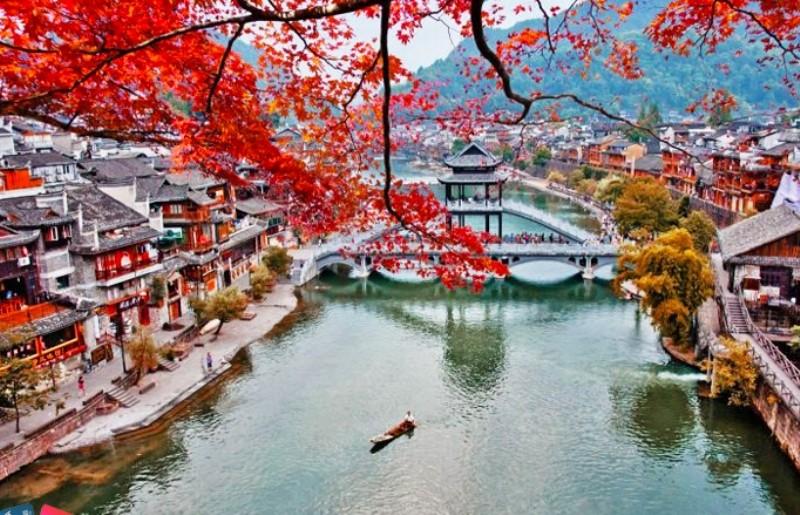 Nhiều tour du lịch đến Trung Quốc bị hủy - ảnh 1