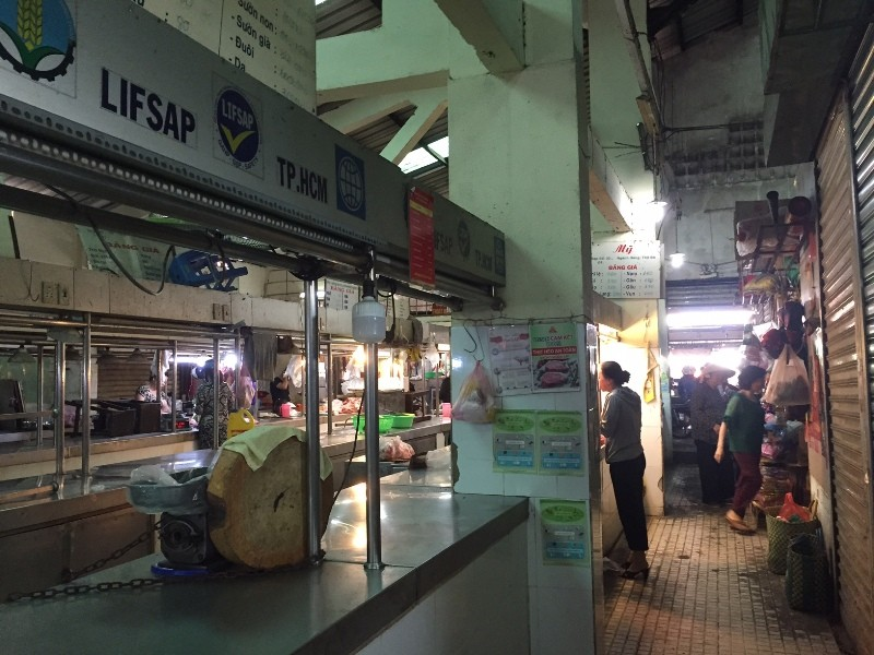 Đầu năm: Chợ đìu hiu, thịt heo có loại giảm 40.000 đồng/kg - ảnh 4