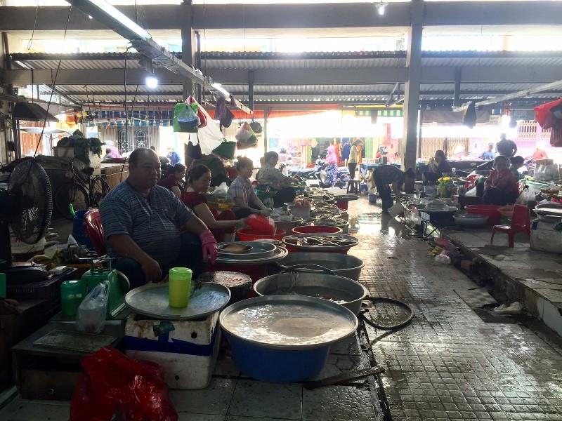 Đầu năm: Chợ đìu hiu, thịt heo có loại giảm 40.000 đồng/kg - ảnh 5