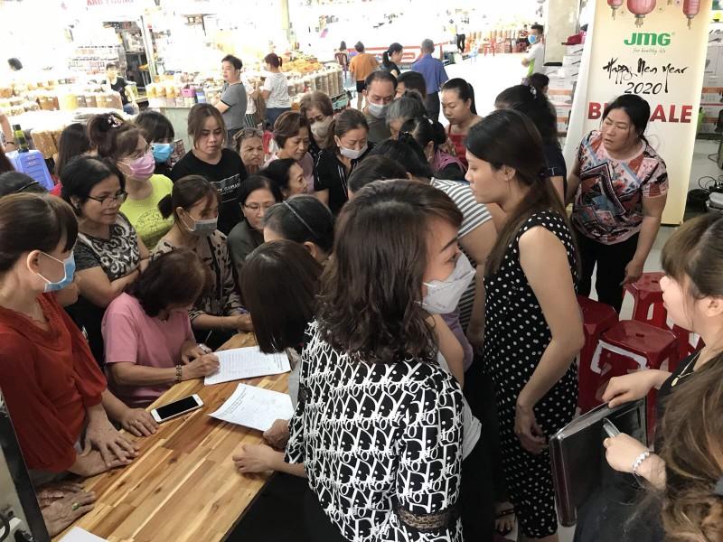 Tiểu thương chợ An Đông xin giảm thuế vì COVID-19 - ảnh 1