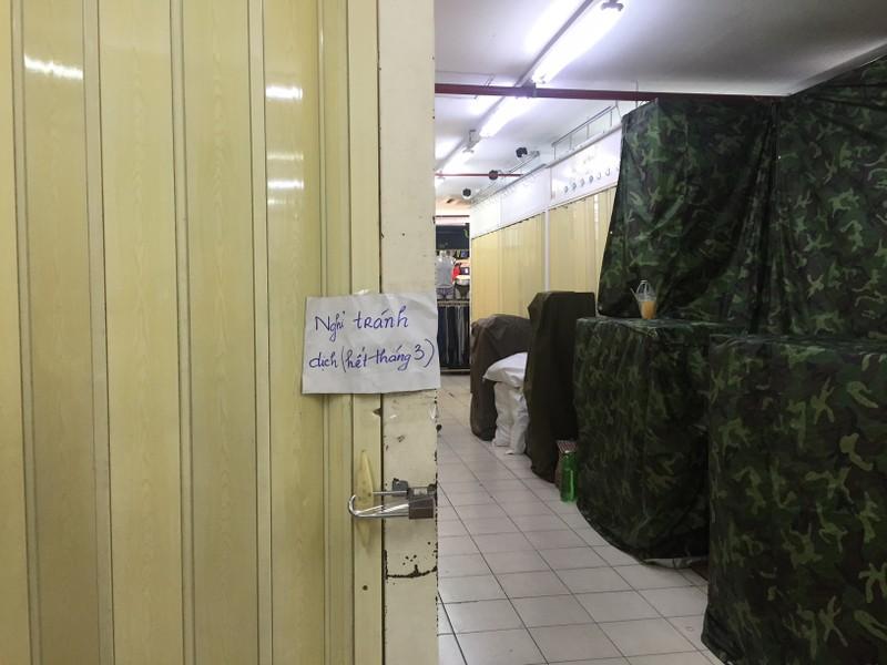 Kiểm tra đột xuất Saigon Square, nhiều sạp đóng cửa - ảnh 6