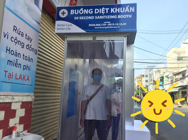 Quận Tân Phú có điểm khử khuẩn miễn phí cho người dân - ảnh 4