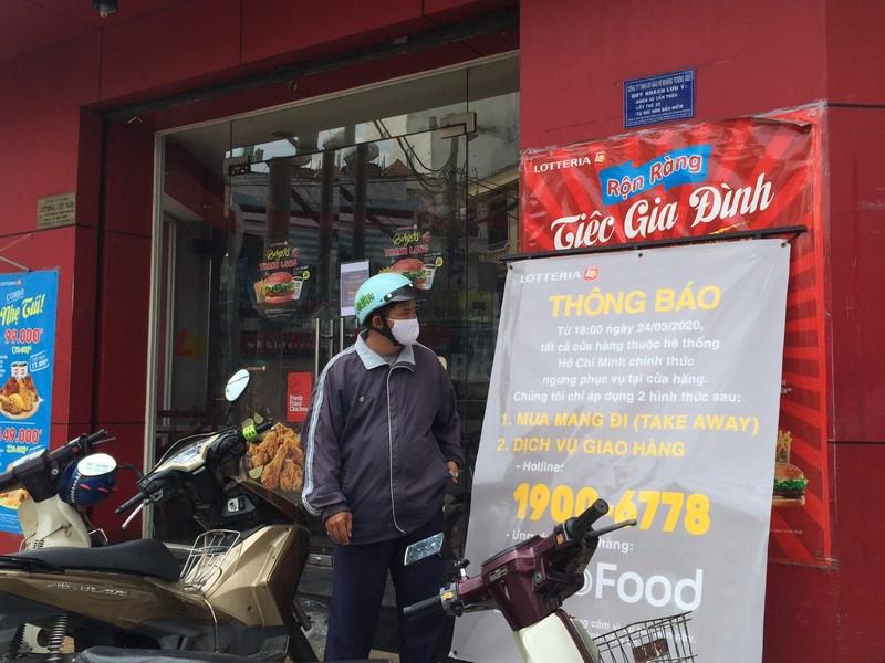 Các quán ăn, nhà hàng thực hiện nghiêm chống COVID-19 - ảnh 4
