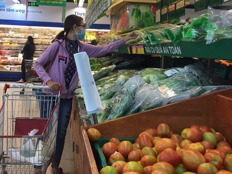 Sức mua thực phẩm tươi sống, rau củ quả... giảm vì COVID-19 - ảnh 1