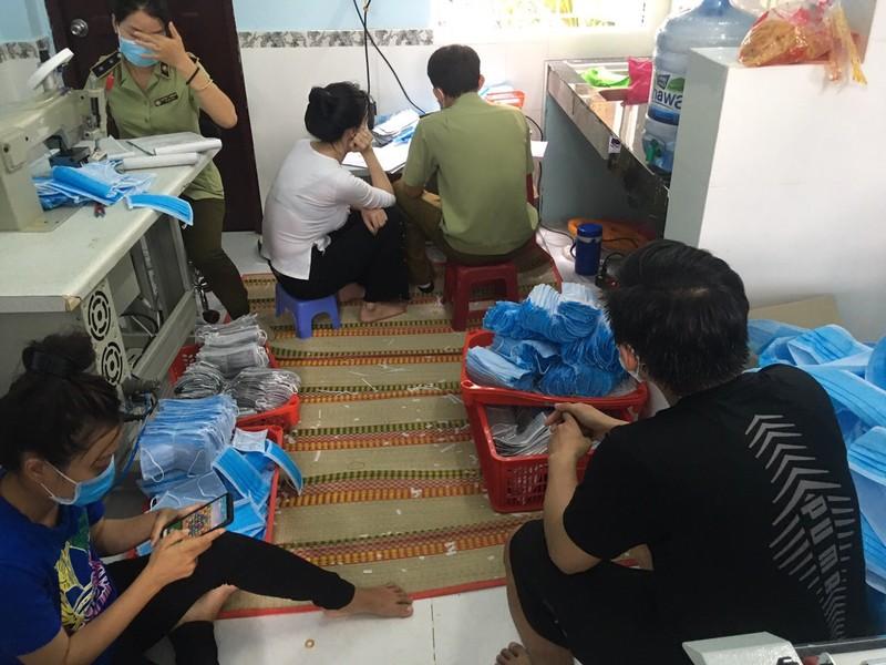 Phát hiện cơ sở nghi sản xuất giả thuốc nuôi trồng thủy sản - ảnh 1