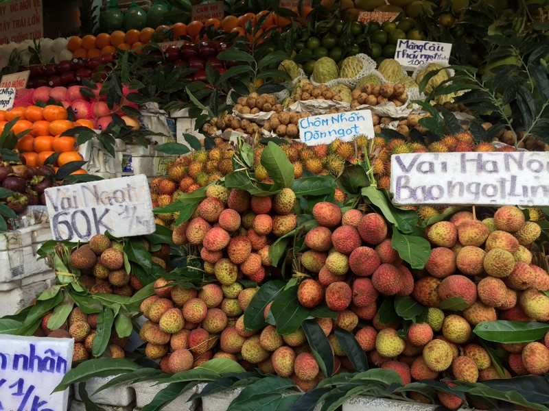 Trái vải đầu mùa Đắk Lắk về TP.HCM, giá khủng 90.000 đồng/kg   - ảnh 1