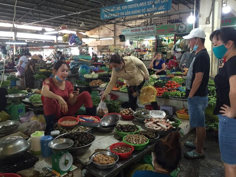 Lễ 30-4: Chợ đông khách, siêu thị khuyến mãi khủng - ảnh 15