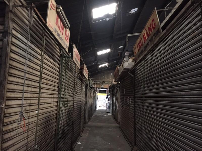 Lễ 30-4: Chợ đông khách, siêu thị khuyến mãi khủng - ảnh 4