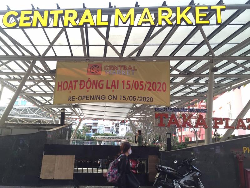 Chợ đêm Bến Thành vẫn cửa đóng then cài - ảnh 8