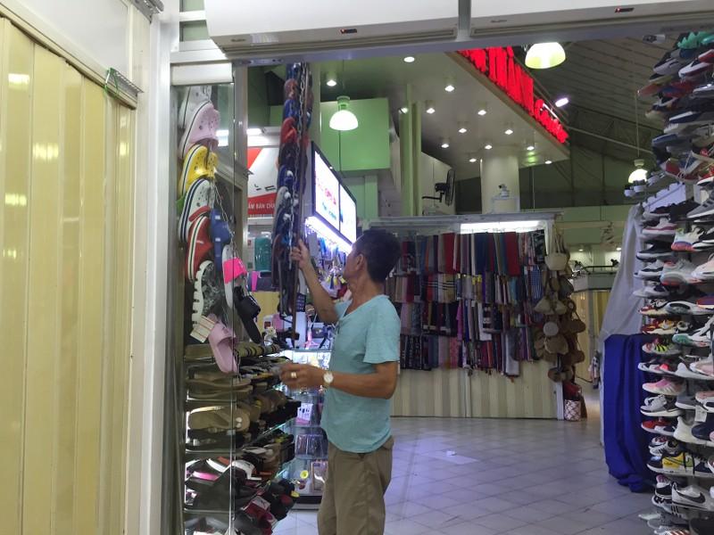 Chợ đêm Bến Thành vẫn cửa đóng then cài - ảnh 6