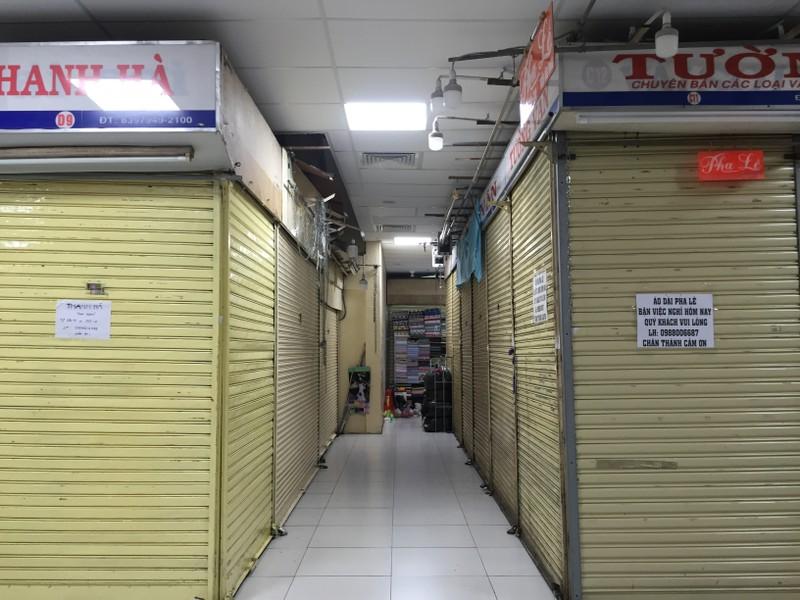 Chợ An Đông hỗ trợ  tiểu thương vượt qua COVID-19 - ảnh 1
