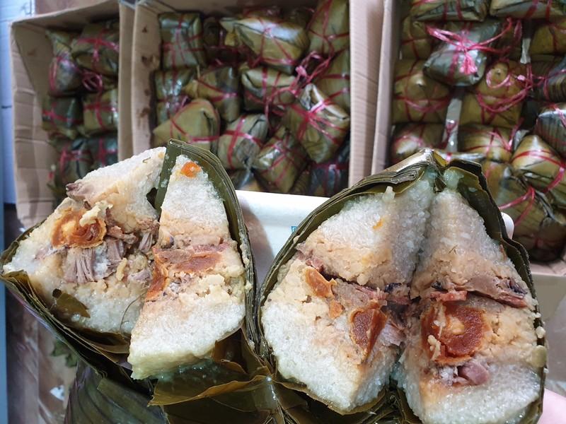 Tết Đoan Ngọ: Giá nhiều loại bánh dân gian tăng vọt - ảnh 4