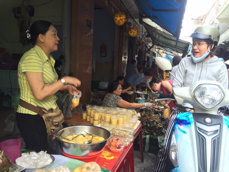 Tết Đoan Ngọ: Giá nhiều loại bánh dân gian tăng vọt - ảnh 3