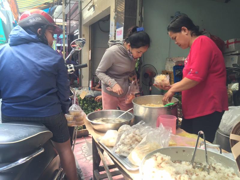 Tết Đoan Ngọ: Giá nhiều loại bánh dân gian tăng vọt - ảnh 5