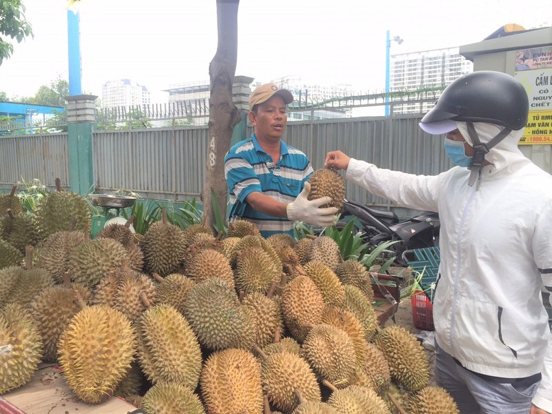 Người Úc mua sầu riêng Việt được khuyến mãi yến, cà phê  - ảnh 1