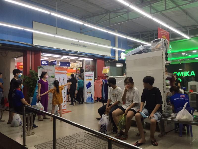Đang thương thảo về 'số phận' siêu thị Co.opmart Cống Quỳnh  - ảnh 1