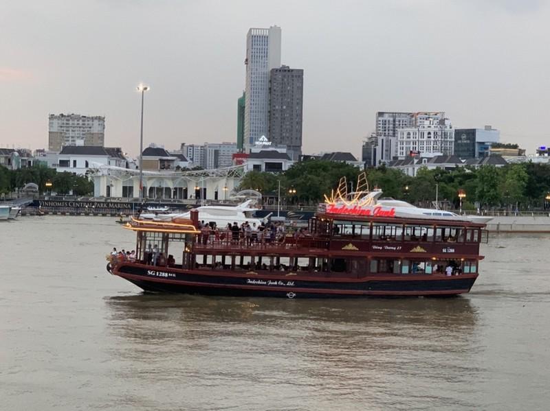 TP.HCM được khách chọn đặt dịch vụ du lịch nhiều nhất - ảnh 1