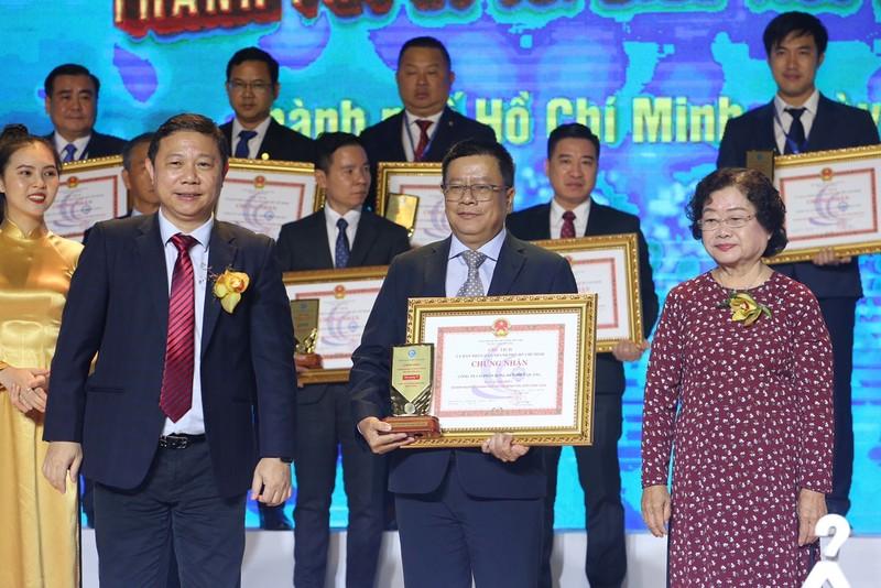 TP.HCM tôn vinh 100 doanh nghiệp, 100 doanh nhân tiêu biểu - ảnh 1