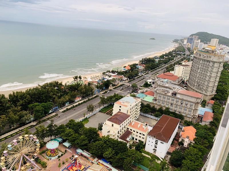 Du lịch biển đảo Việt Nam thu hút nhiều du khách  - ảnh 1