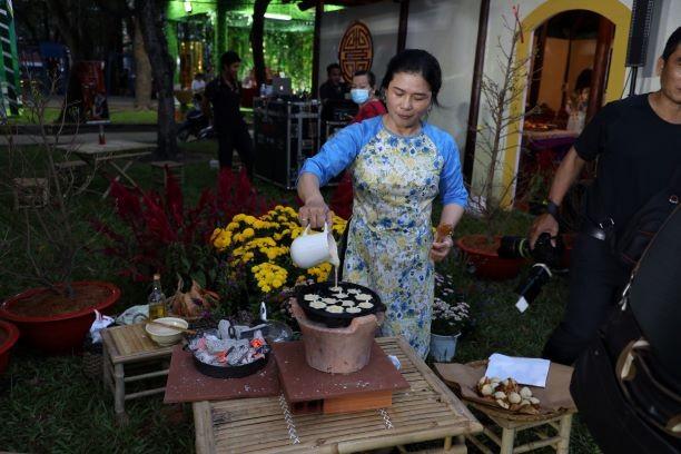 Đến lễ hội Tết Việt 2021 thưởng thức Tết 3 miền - ảnh 7
