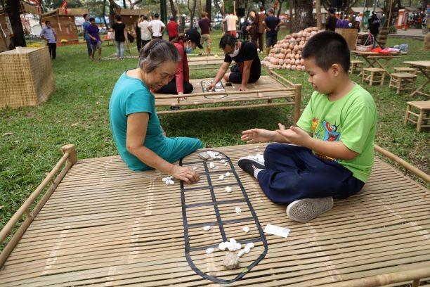 Đến lễ hội Tết Việt 2021 thưởng thức Tết 3 miền - ảnh 5