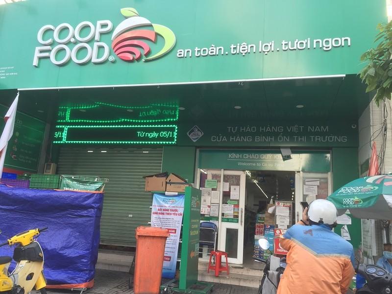 Chùm ảnh các siêu thị, cửa hàng tiện lợi đóng cửa sớm theo quy định - ảnh 7