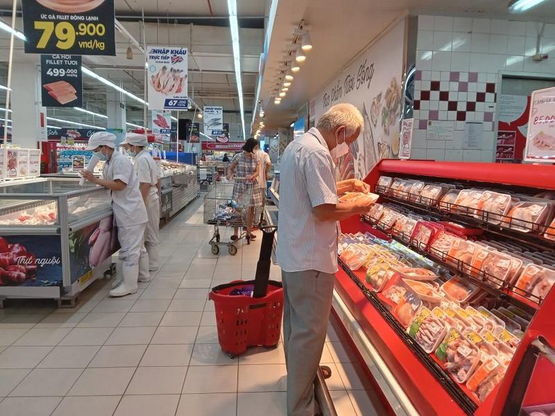 Ngày đầu nới lỏng giãn cách không có cảnh đổ xô đi mua sắm tại siêu thị - ảnh 6