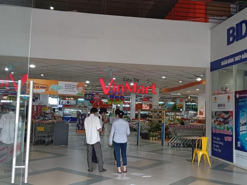 Ngày đầu nới lỏng giãn cách không có cảnh đổ xô đi mua sắm tại siêu thị - ảnh 5