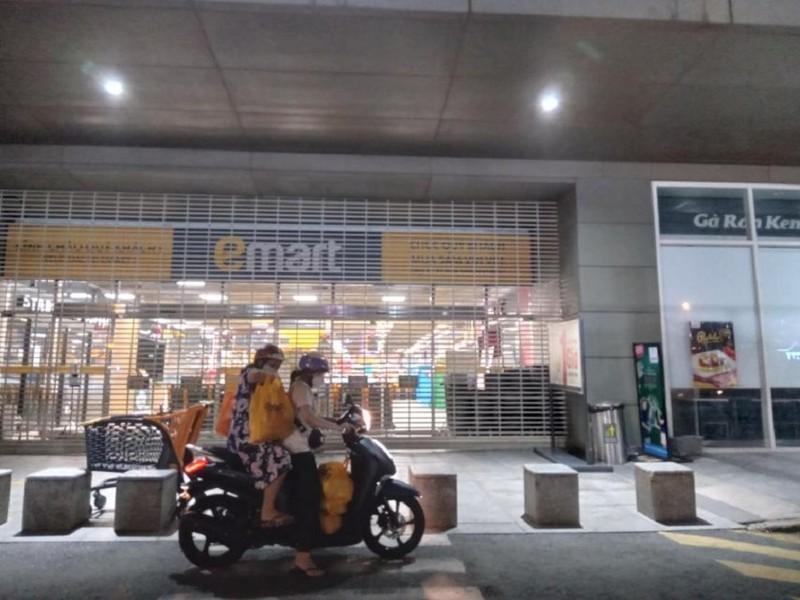 Siêu thị Emart nói về lý do vừa mở đã phải tạm đóng cửa sớm trong tối 3-10 - ảnh 1