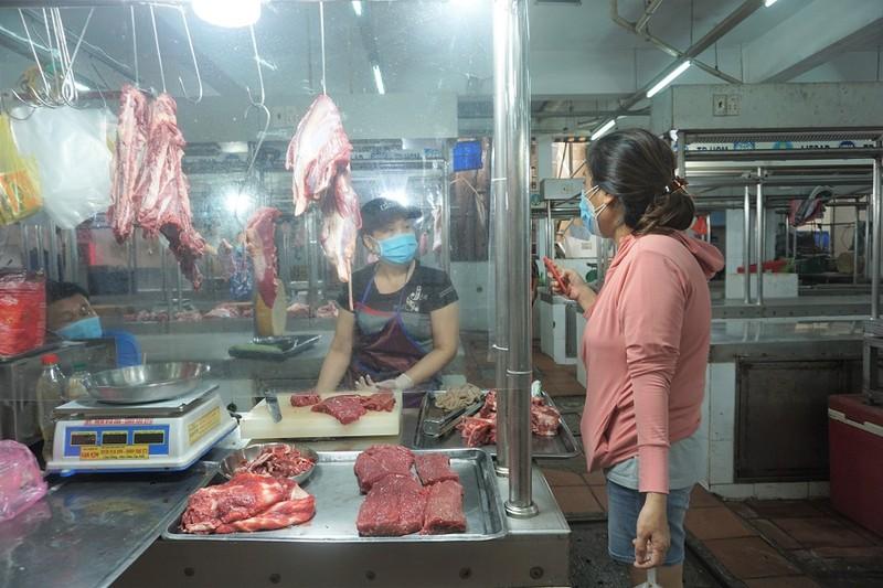21 chợ ở TP.HCM mở cửa trở lại, có nhiều chợ nổi tiếng - ảnh 1